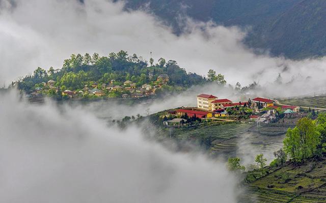 Săn mây, ngắm bình minh trên Lảo Thẩn
